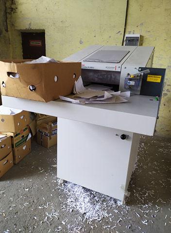 Niszczenie dokumentów maszyna